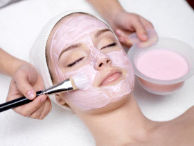Top 4 Tips to Effectively Control Acne With Light Chemical Peels