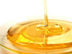 3 Sweet Reasons Why Honey Is Good For Your Skin